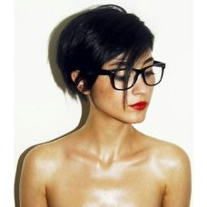 Short hair pixie cut hairstyle with glasses ideas 79