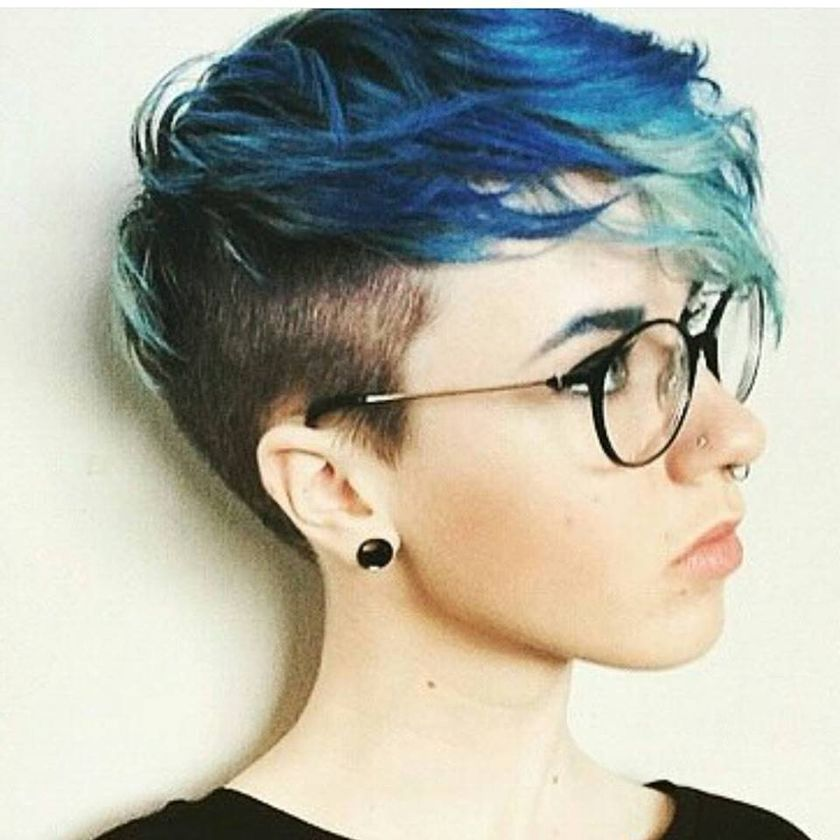 Short hair pixie cut hairstyle with glasses ideas 94