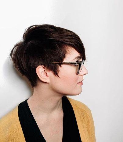 Short hair pixie cut hairstyle with glasses ideas 95