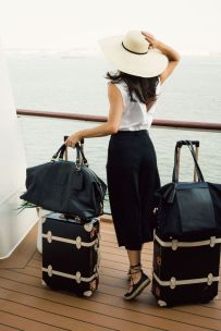 Summer airplane outfits travel style 10