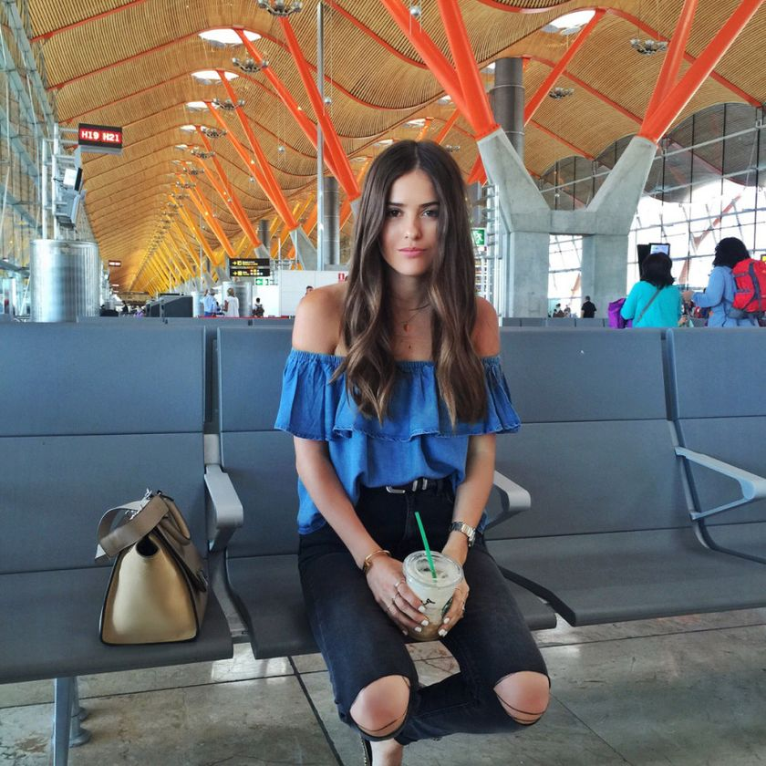 Summer airplane outfits travel style 17