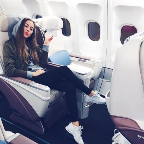 Summer airplane outfits travel style 21