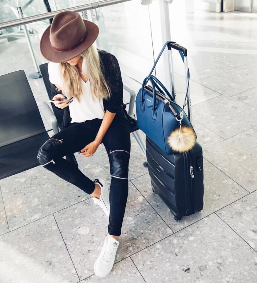 Summer airplane outfits travel style 30