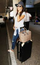 Summer airplane outfits travel style 40