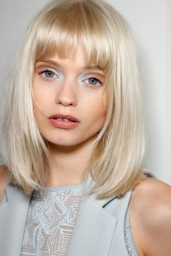Awesome full fringe hairstyle ideas for medium hair 28