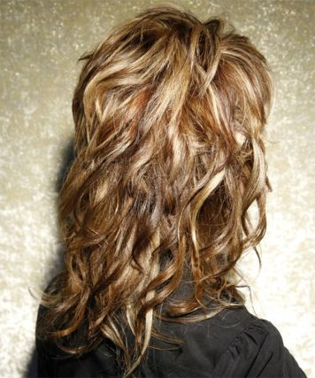 Beautiful curly layered haircut style ideas 104