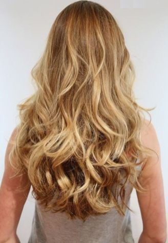 Beautiful curly layered haircut style ideas 13