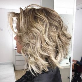 Beautiful curly layered haircut style ideas 29