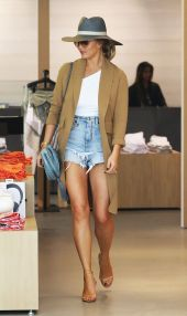 Best high waisted short denim outfits style 22