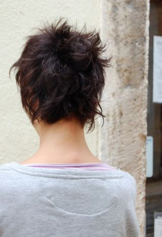 Cool back view undercut pixie haircut hairstyle ideas 13