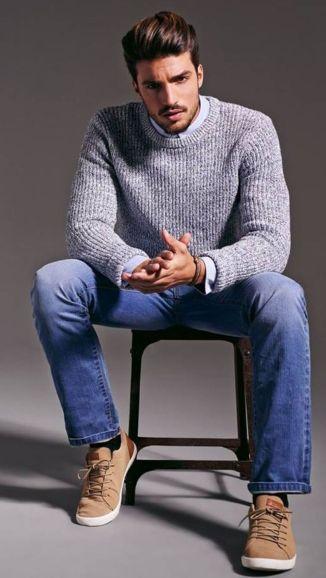 Cool men sweater outfits ideas 17