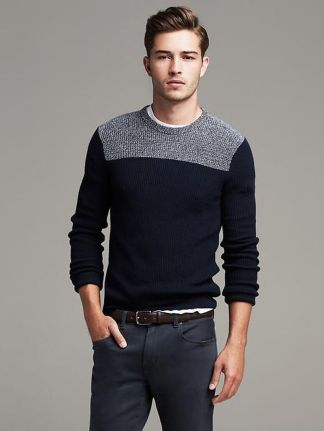 Cool men sweater outfits ideas 23