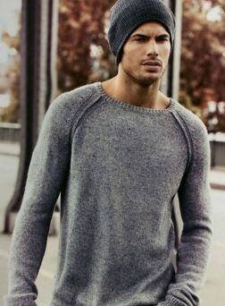 Cool men sweater outfits ideas 37