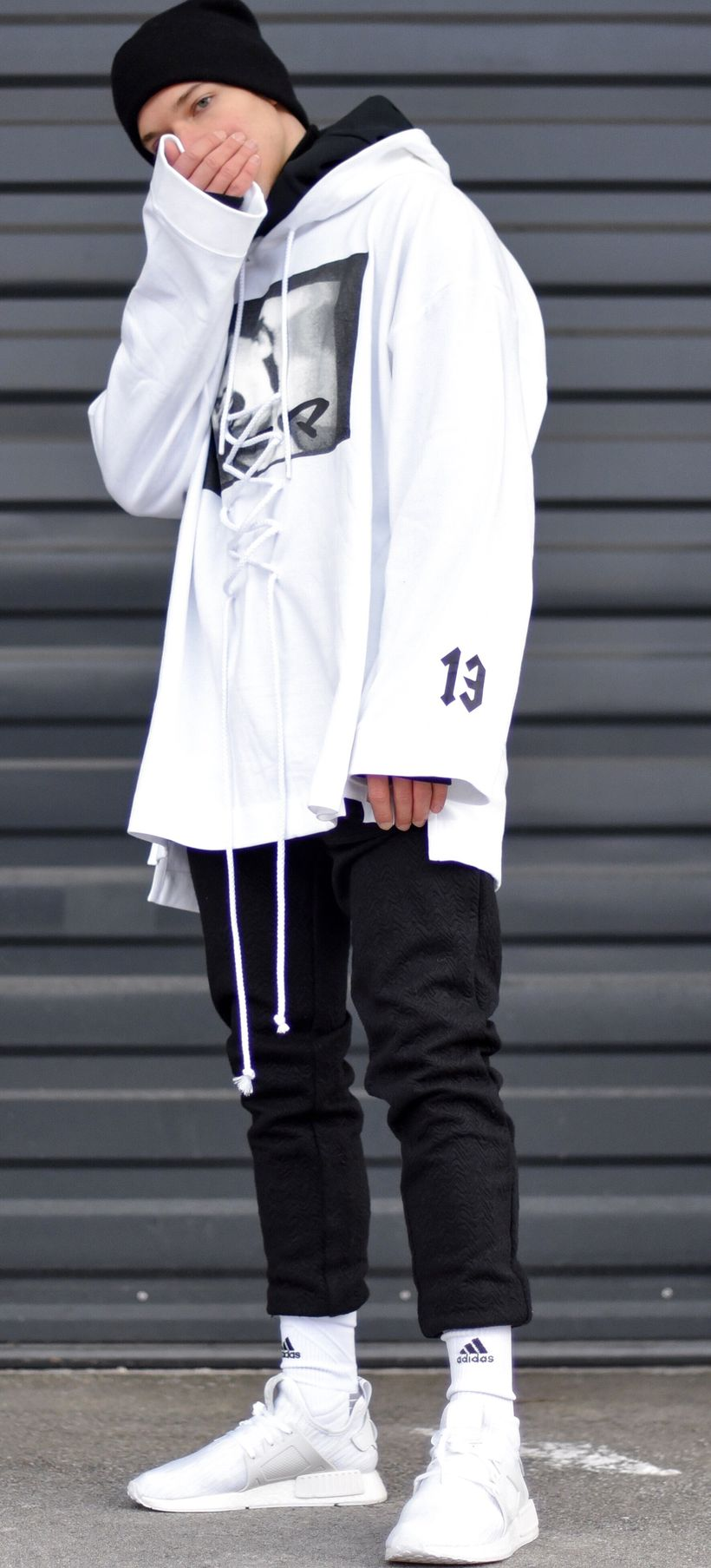 Cool mens joggers outfit ideas 10