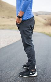 Cool mens joggers outfit ideas 17