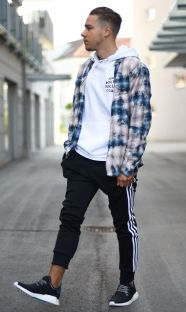 Cool mens joggers outfit ideas 19