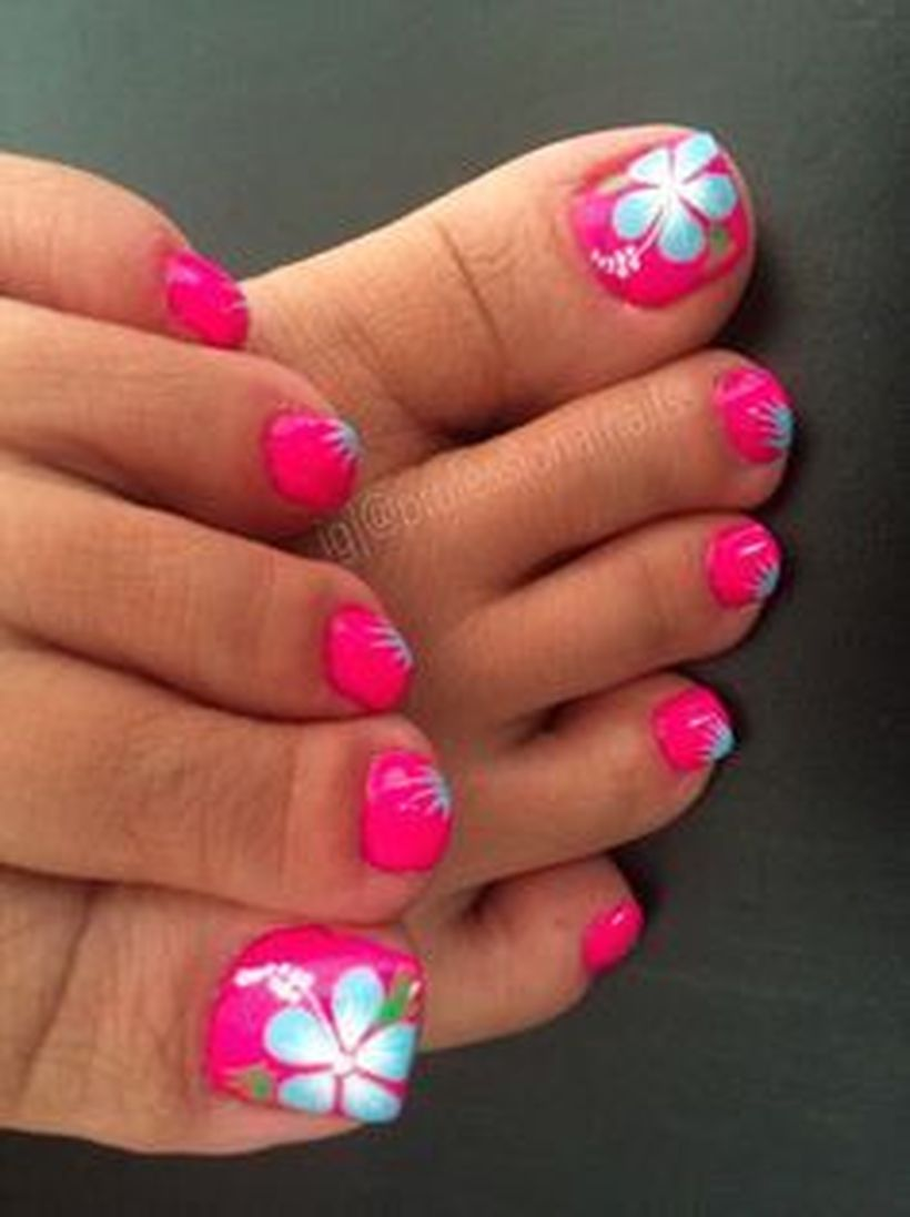 Cool summer pedicure nail art ideas 19