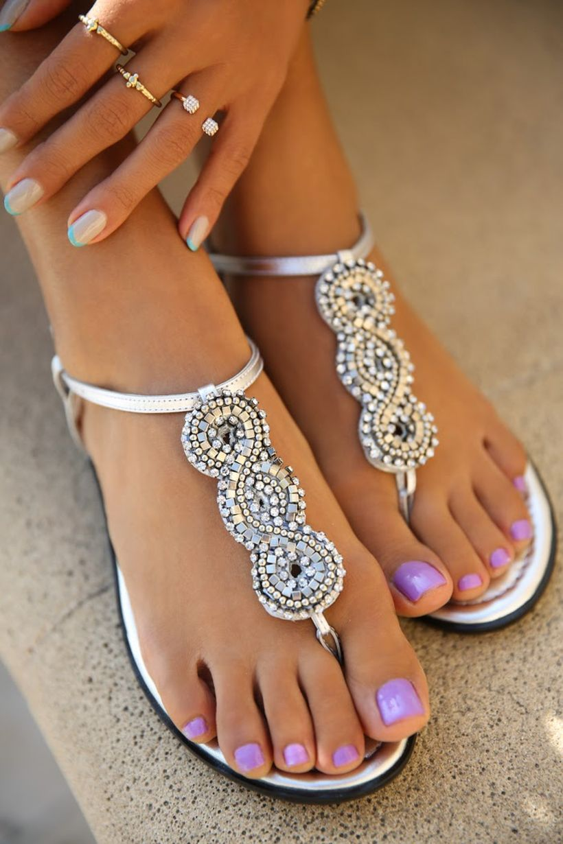 Cool summer pedicure nail art ideas 22