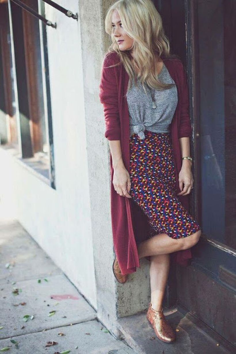 Cool tshirt and skirt for everyday outfits 13