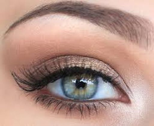 Fabulous look natural green eyes makeup 14