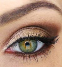 Fabulous look natural green eyes makeup 16