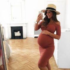 Fashionable maternity fashions outfits ideas 145