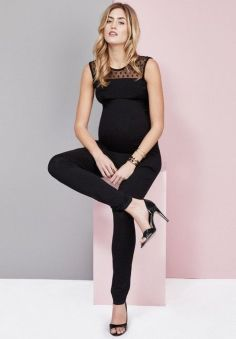 Fashionable maternity fashions outfits ideas 5