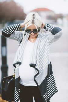 Fashionable maternity fashions outfits ideas 84