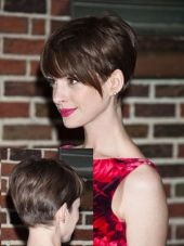 Funky short pixie haircut with long bangs ideas 111