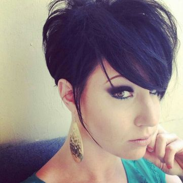 Funky short pixie haircut with long bangs ideas 63