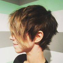 Funky short pixie haircut with long bangs ideas 65