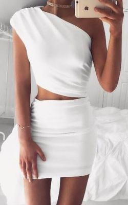 Gorgeous white two piece outfits ideas 13
