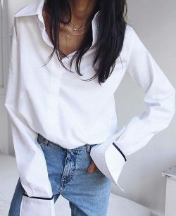 Oversized white shirt with jeans outfits ideas 14