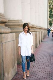 Oversized white shirt with jeans outfits ideas 18