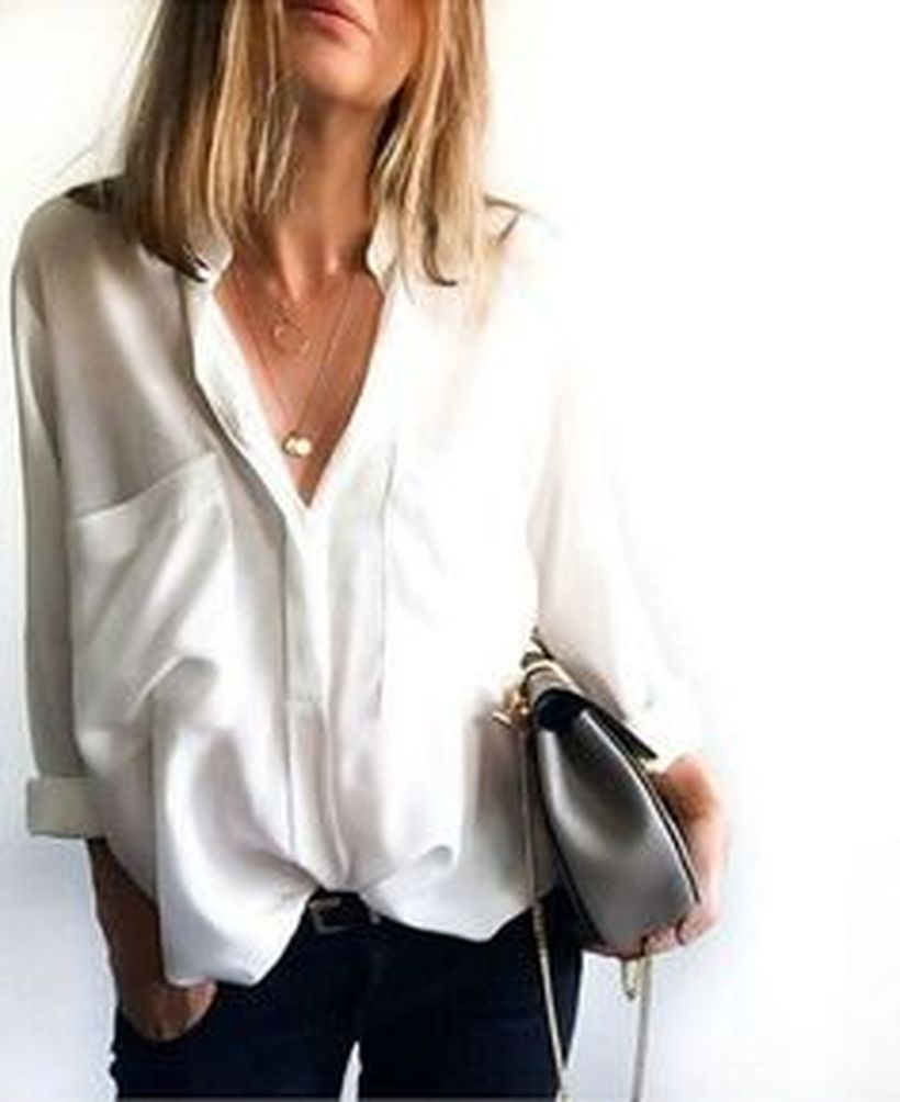 Oversized white shirt with jeans outfits ideas 8