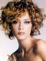 Stylist naturally curly haircuts ideas 35