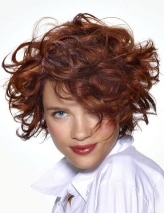 Stylist naturally curly haircuts ideas 43