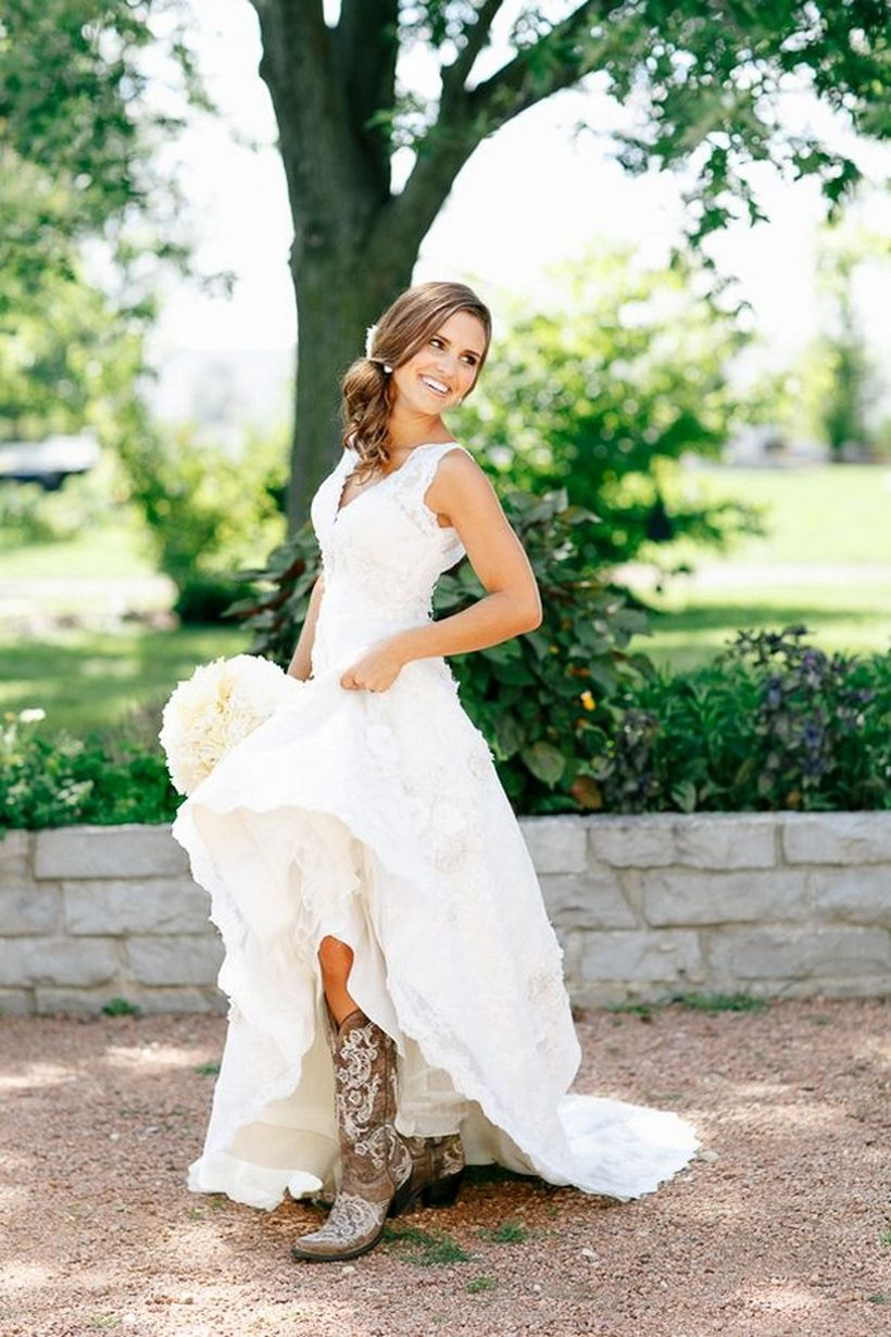 Vintage wedding outfit with country boots 19