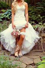 Vintage wedding outfit with country boots 3