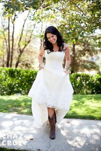 Vintage wedding outfit with country boots 48