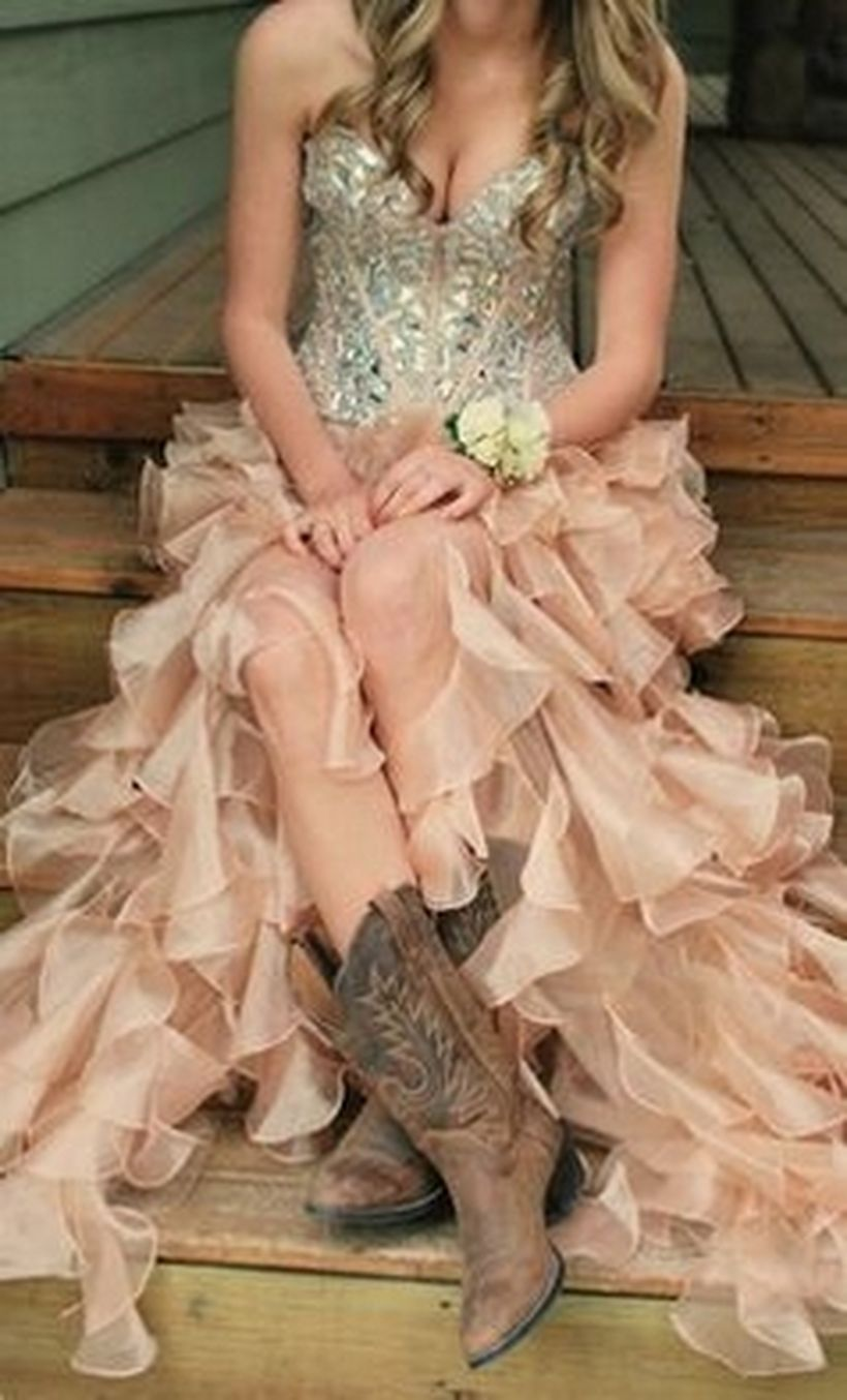 Vintage wedding outfit with country boots 51