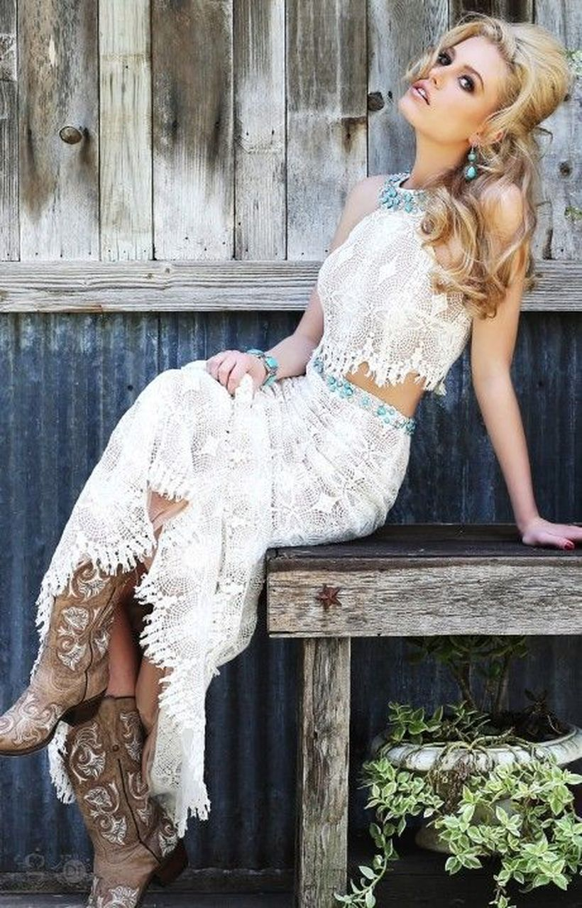 Vintage wedding outfit with country boots 64