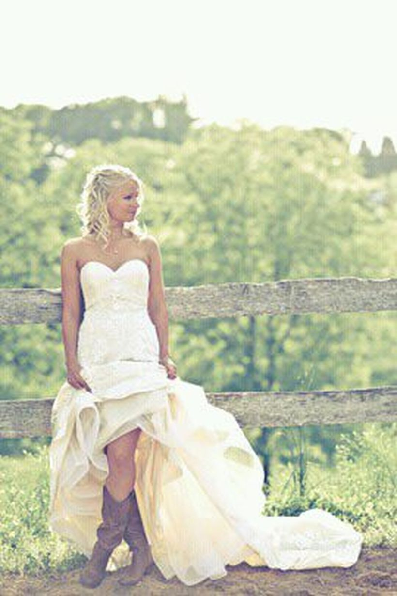 Vintage wedding outfit with country boots 69
