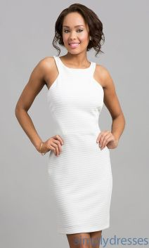 Amazing white short dresses ideas for party outfits 31