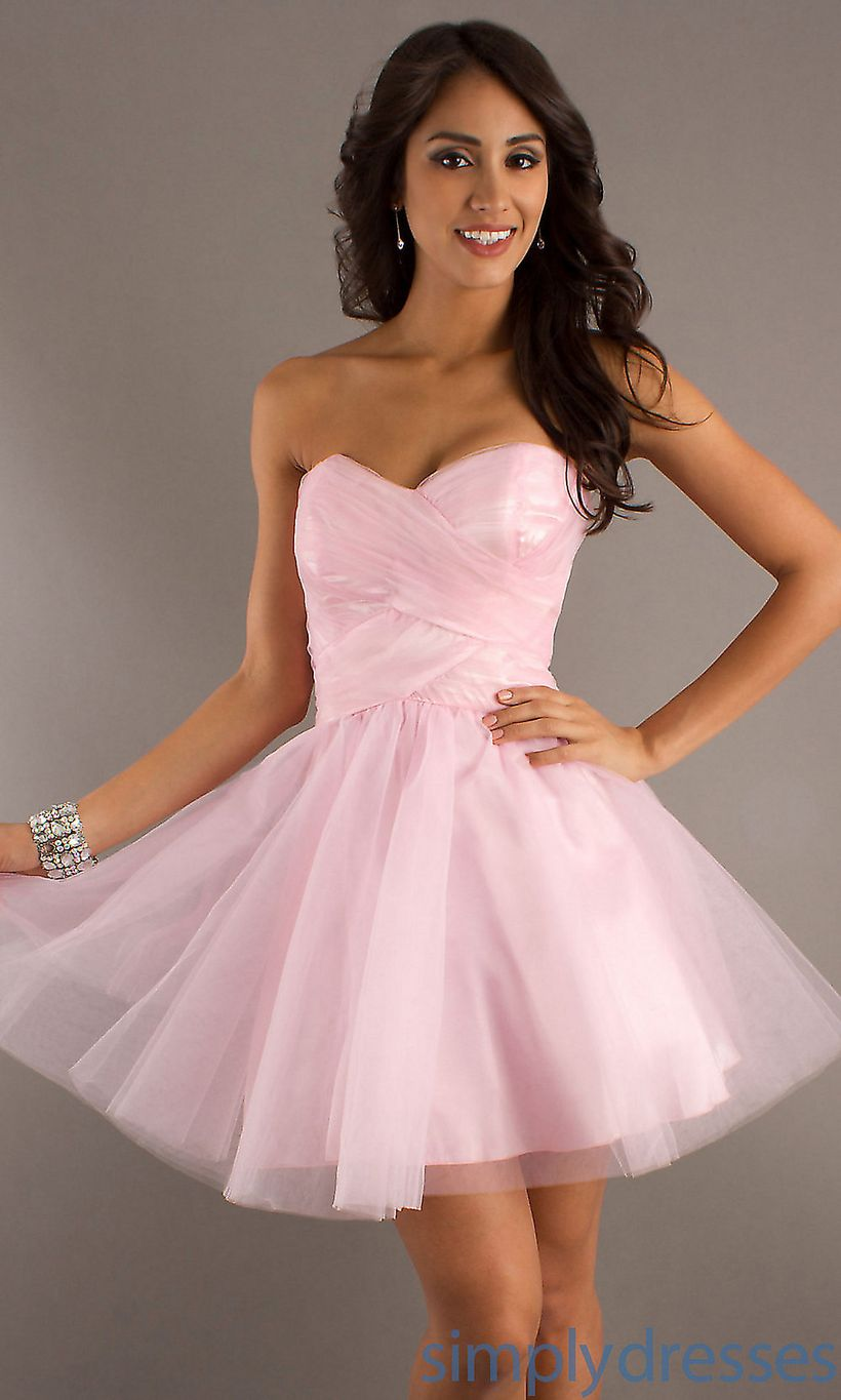 Awesome teens short dresses ideas for graduation outfits 117