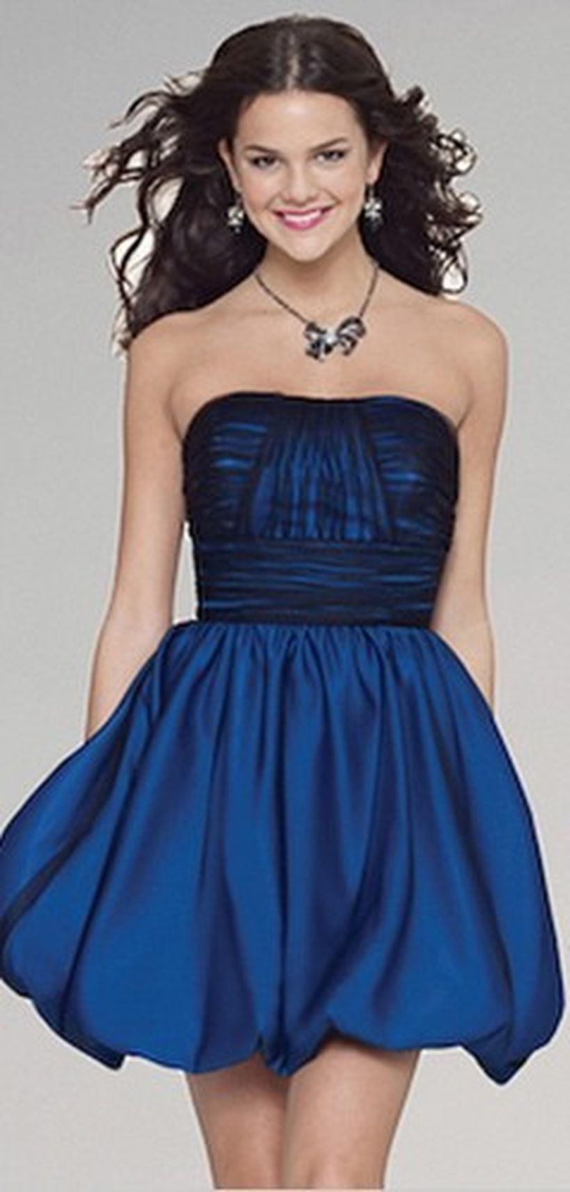 Awesome teens short dresses ideas for graduation outfits 18
