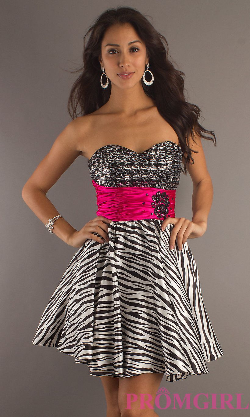 Awesome teens short dresses ideas for graduation outfits 188