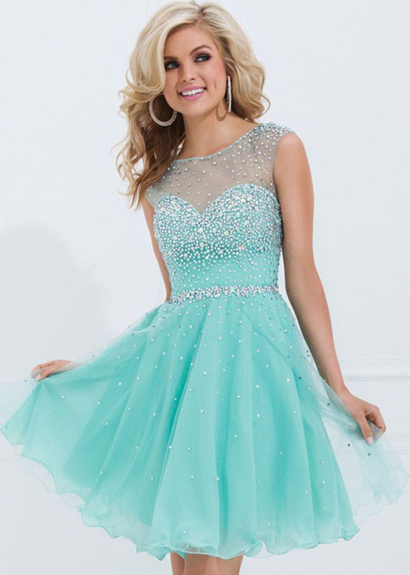 Awesome teens short dresses ideas for graduation outfits 209