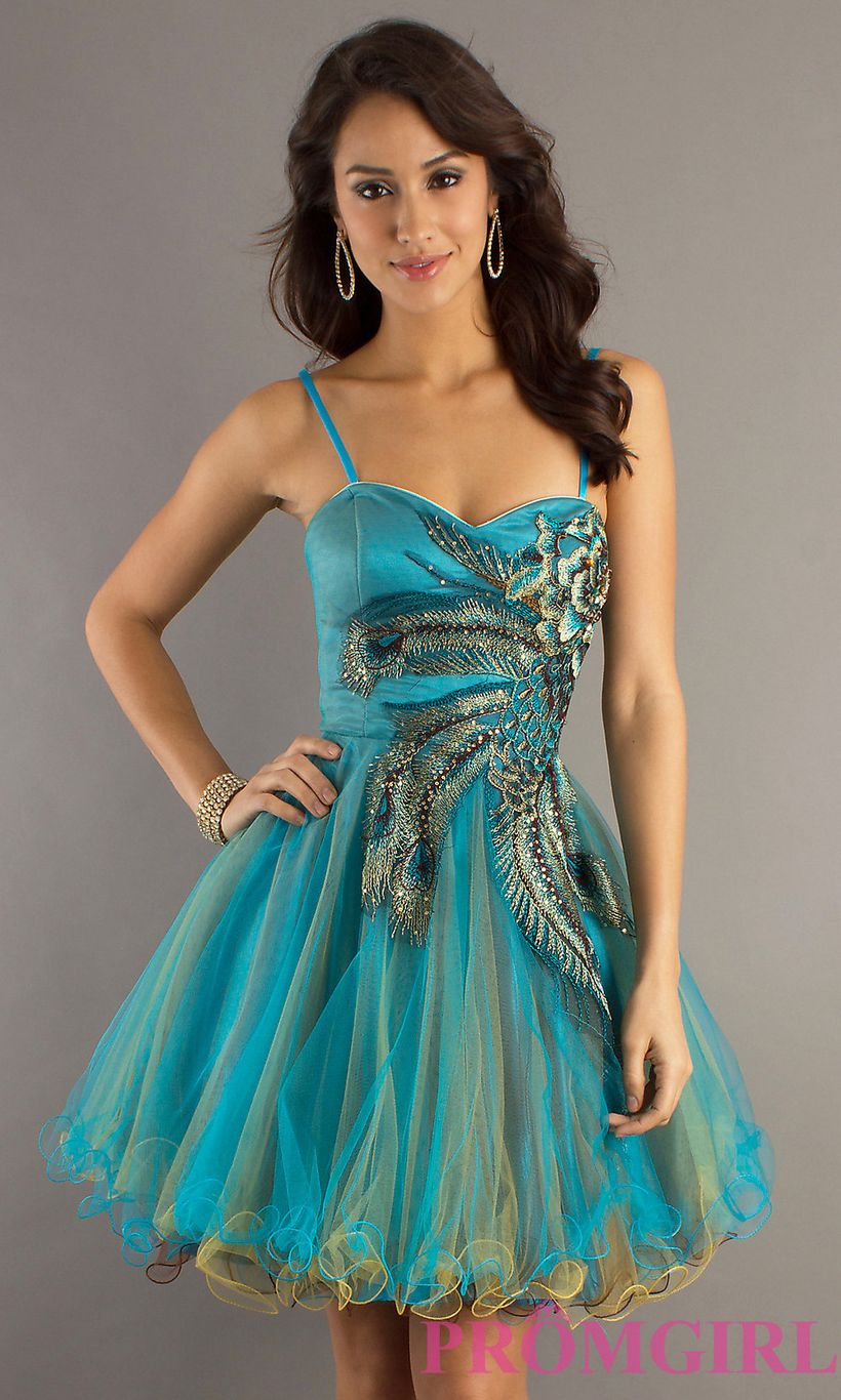 Awesome teens short dresses ideas for graduation outfits 62