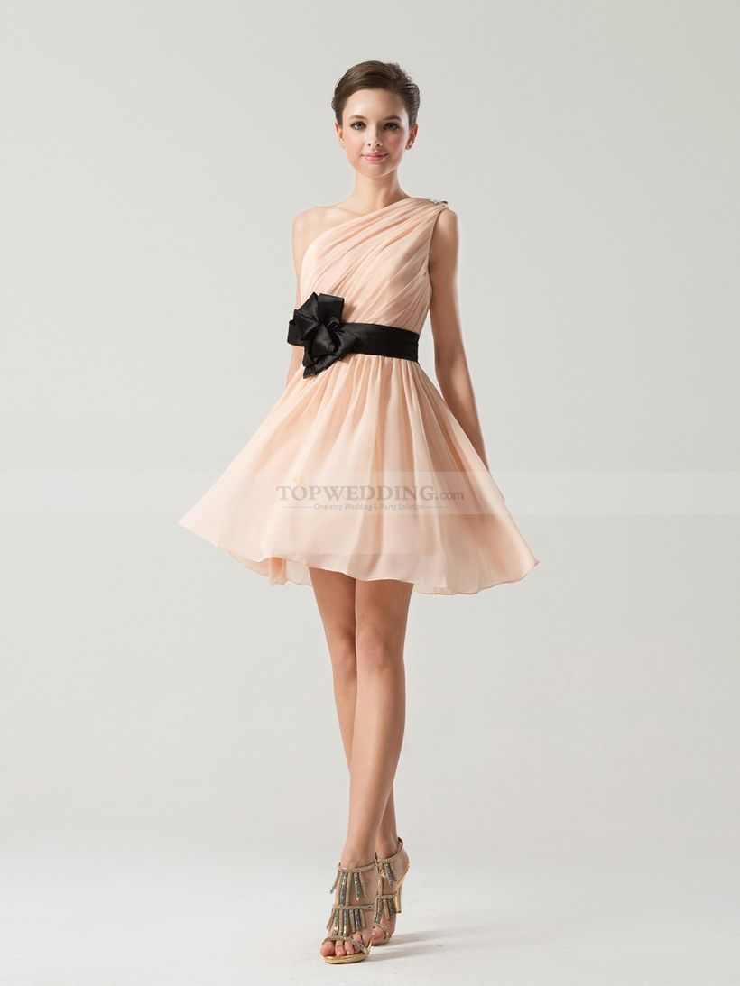 Awesome teens short dresses ideas for graduation outfits 67